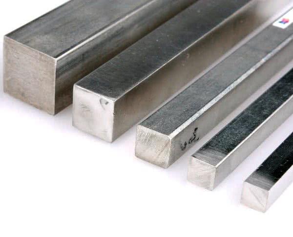 Характеристики и цена металлического квадрата